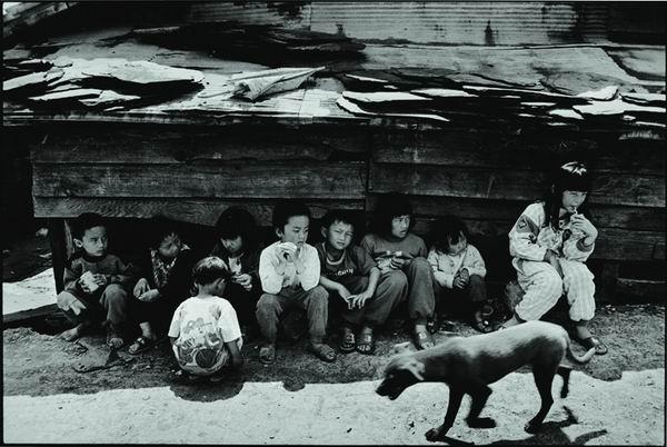 部落的孩童(星期六下午)