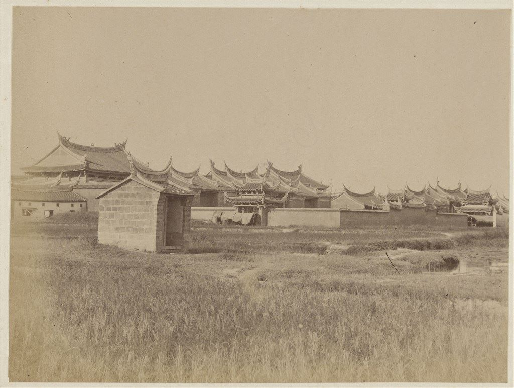 十九世紀蛋白版相紙(14):臺北文武廟