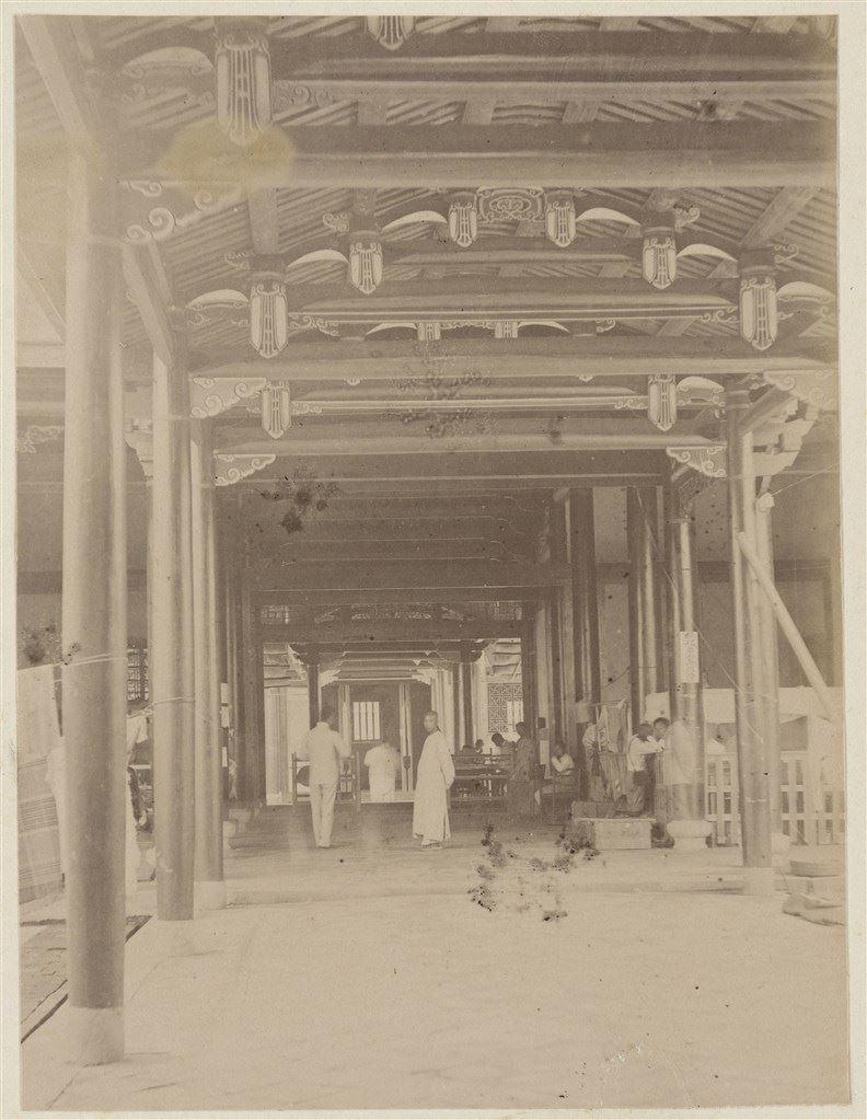 十九世紀蛋白版相紙(19):舊總督府中廊(原欽差行臺)