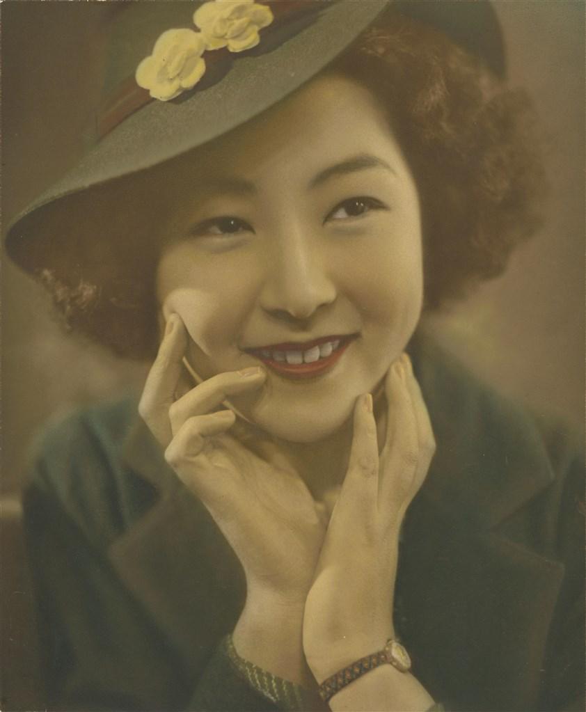 淑女(彩繪上色) 日本東京東洋寫真學校時期作品